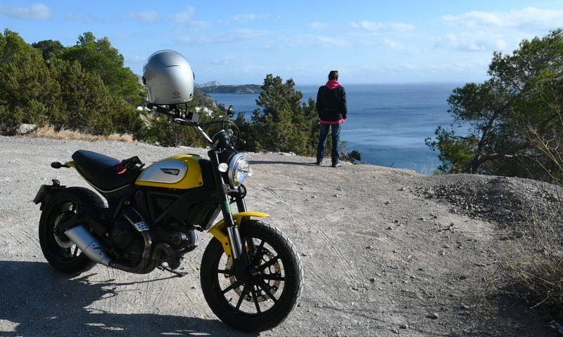 Ibiza en moto